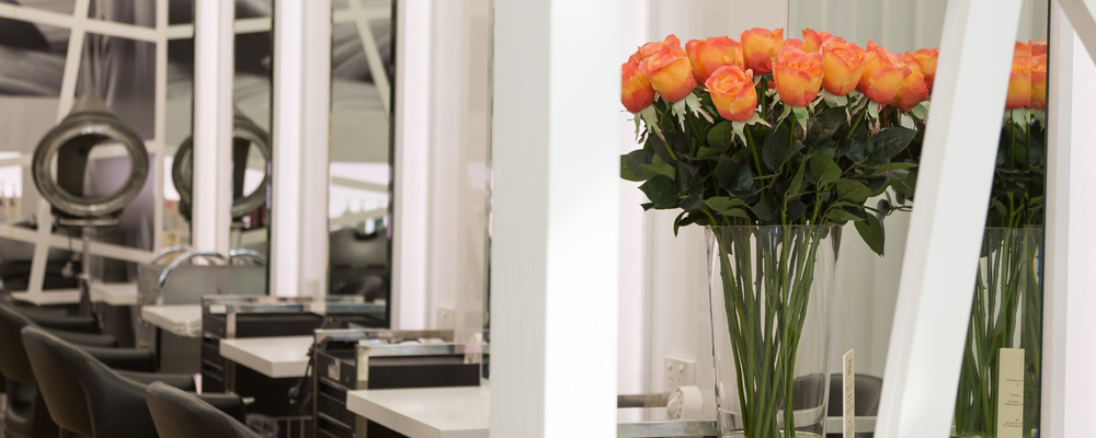 4 reasons why artificial flowers are a better investment